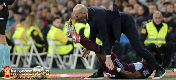 Insiden Zidane Ditabrak Bek Celta Vigo