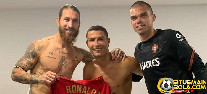 Ronaldo Ajak Sergio Ramos Main Bareng